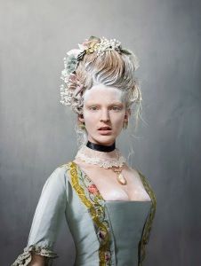 foto Erwin Olaf, model Ymre Stiekema, bruidsjapon 1759